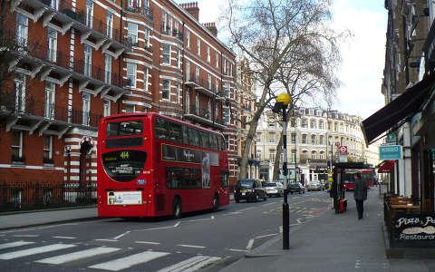Anglia, London és a piros emeletes busz, Double Decker