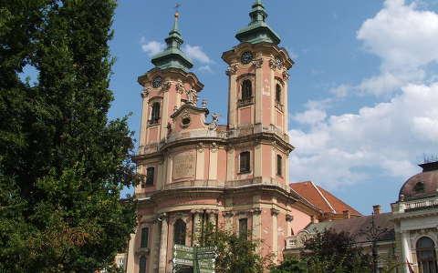 Eger, Dobó tér, Minorita templom