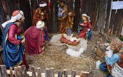 Betlehem a p�csi kar�csonyi v�s�rban