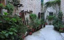 Kastela, Stari utca