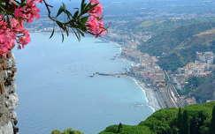 Kilátás Taormináról