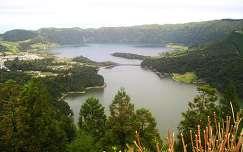 Lagoa Azul és Lagoa Verde krátertavak, Sao Miguel sziget, Azori-szigetek