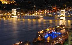 Duna és a Lánchíd éjszakai fényekben, Budapest, Magyarország