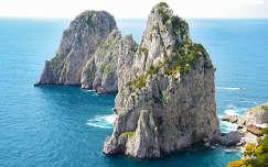 Capri - Faraglioni sziklák - Olaszország