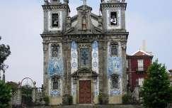 Portoi templom kék csempés homlokzata. Portugália