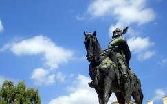 Magyarorsz�g, G�d�ll�, K�lm�n herceg szobra (a Szent Istv�n Egyetem f��p�lete el�tt)