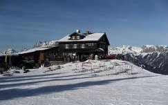 ausztria ház alpok tél faház
