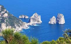 Faraglioni sziklák - Capri - Olaszország