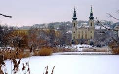 Szt.Imre templom és a Feneketlen tó Budapest XI. ker. Kosztolányi tér