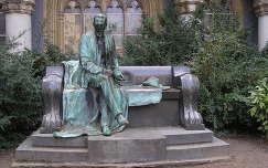 Budapest,Vajdahunyad vára Gróf Károlyi Sándor szobra