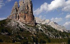 Dolomitok, Olaszország. Az Öt Torony (Cinque Torri) közül a legnagyobb.