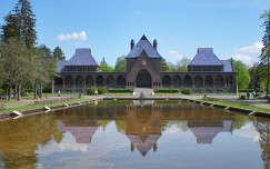 Krematórium a Tükörtóval - Debrecen
