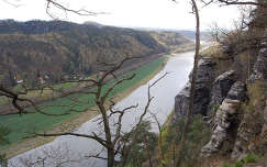 németország kövek és sziklák folyó szász-svájc bastei-sziklák