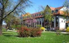 Tavasz a parkban - Debrecen, Bem tér