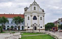 Magyarország, Vác főtere, Fehérek temploma