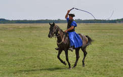 hortobágy magyarország lovaglás emberek