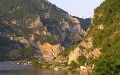 Al-Duna Galambócnál naplemente elõtt, itt kezdõdik a Nagy-Kazáni szoros, Szerbia