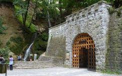 Az Anna barlang és a vízesés Lillafüreden