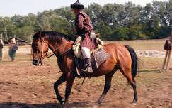 Honfoglalás kori lovasbemutató az Ópusztaszeri Emlékparkban
