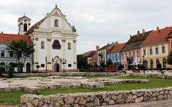 Magyarország, Vác, Március 15. tér, Fehérek temploma