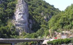Al-Duna, Kis-Kazáni szoros román oldala, Románia,Decebal szobra