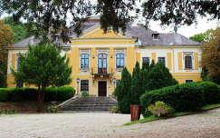 Magyarország, Noszvaj, De la Motte kastély
