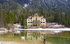 Hegyi tó, Toblach mellett,Dél-Tirol.