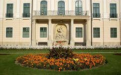 Magyarország, Fertőd, Esterházy-kastély, díszkút