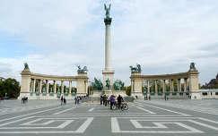 Magyarország, Budapest, Hősök tere, Szobor csoport