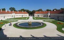 Esterházy kastélyudvar