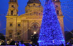 Budapest,Bazilika karácsonyi díszben