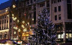 Magyarország, Budapest, Vörösmarty tér, karácsonyi vásár, 2011