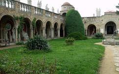 Magyarország, Székesfehérvár, Bory-vár, Százoszlopos udvar