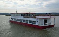 Magyarország, Fertő-tó, személyszállító hajó