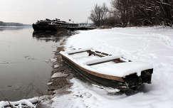 Magyarország, Dunaújváros, téli Duna-part