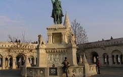 Budapest,Szt.István szobor a Halászbástyával