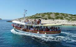 Hajó a Kornati Nemzeti Parkban, Horvátország