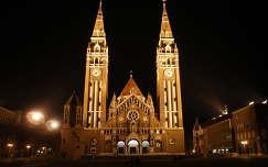 magyarország fogadalmi templom éjszakai képek templom szeged óra