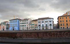 Az Arno partjan, Pisa, Olaszorszag