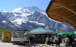 Jungfrau a Kleine Schneidegg állomásnál,Svájc