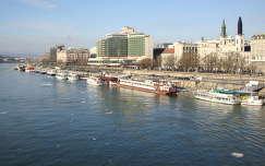 Budapest, Pesti oldal az Erzsébet hídról