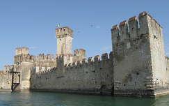 Sirmione, Scaliegri-vár, Garda tó, Olaszország