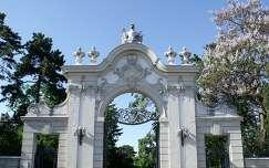 Magyarország, Keszthely, Festetics kastély bejárata