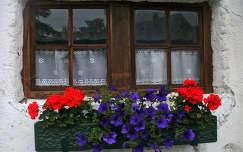 regi istaloepületböl atalakitott közössegi haz Weissenbach