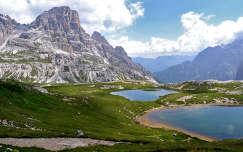 Hegyi tavak a Dolomitokban,Olaszország.