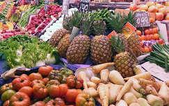 piac zöldség gyümölcs paradicsom ananász