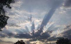 Felhő. Fotó: Csonki