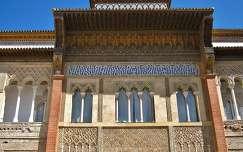 Sevilla-Spain, Un parte de facade de la entrada del Alcazar