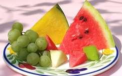 Dinnye és szőlő