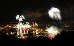 lánchíd duna budapest folyó híd éjszakai képek tüzijáték magyarország